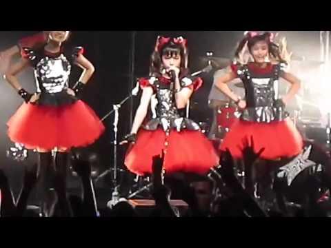 BABYMETAL - YUI ちゃん - MOAちゃん ( Lead Vocal )  ヘドバンギャー!! Headbanger!!   2014