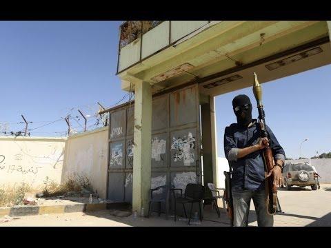 معسكر آخر للجيش الليبي بيد مسلحين  بنغازي - أخبار الآن