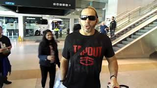 Meeting WWE SUPERSTARS at Airport KURT ANGLE, THE HARDYS, THE MIZ AND MORE!!!!!!!