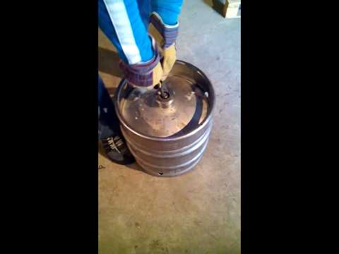 Как достать пиво из кеги