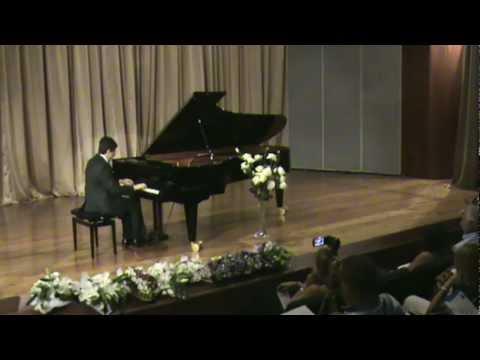 Klasik Batı Müziği Türk Besteci:İLHAN BARAN-DEVİNİM Siyah-Beyaz PİYANO Çalan: Yakartepe
