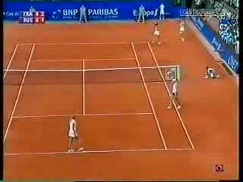mary pierce amazing point! fed cup final doubles 2005 Video