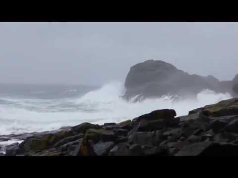 141023b Tripodless View of Monhegan Waves