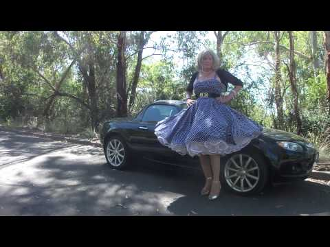 00220 Driving in petticoats III