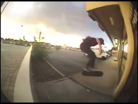 Fast fingered @arnold_chalmer 🎥: @tomgellermann | Shralpin Skateboarding