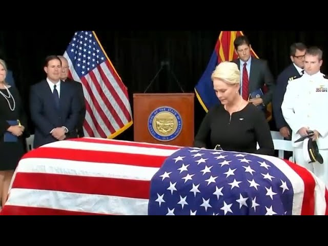 Thousands gather in Arizona for final farewell to John McCain