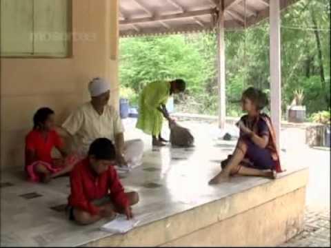 Shree Saptashrungi Devi - Marathi Devotional Songs - Navratri Bhajans - 2014 video
