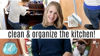 KITCHEN CLEANING & ORGANIZING MAKEOVER! 💚 (Dollar Tree Style!)
