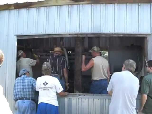 Hand Cranking A Huge 6 Cylinder Engine