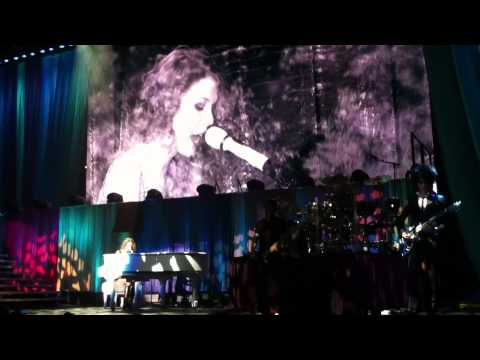 "Taylor Swift Live @ Mediolanum Forum - Milano ""Back To December"""
