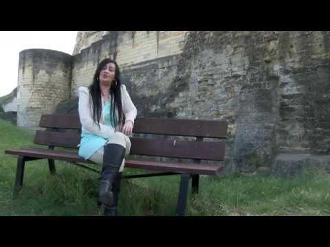 Zangeres Christien -  Ik heb geen tranen meer ( Beeren Productions)