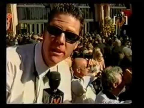 Emmys red carpet 2000 Video