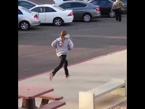 How can you do this @aaronjawshomoki 🎥: @codylonglens | Shralpin Skateboarding
