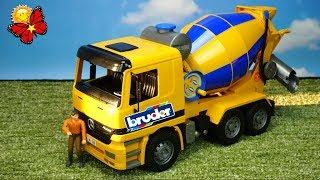 Máy trộn bê tông của Mercedes-Benz và Mack. Ô tô đồ chơi Bruder.🌈  ĐỒ CHƠITATA