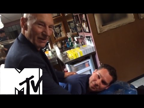 Patrick Stewart Gives Bryan Singer A Crazy X-Men Bum Tattoo! | MTV