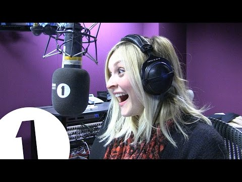 Star Caller - Fearne Cotton and Joanna Lumley