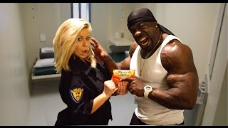 Cooking with Kali Muscle - HYPHY PIZZA