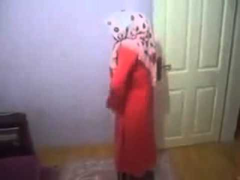 Download Funny Arab Girl Videos To Your Cell Phone   Arab Funny Girl   9275395   Zedge video