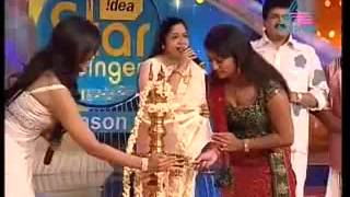 Navya Nair hot cleavage show