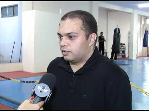 Cerca de 40% dos brasileiros estão acima do peso