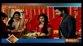 Laut Aayi Kratika Sengar - Kasam Tere Pyaar Ki 9th September 2016 News