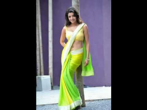 Kajal Navel show in Saree