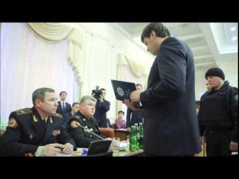 Ukraine arrests two top officials at cabinet meeting