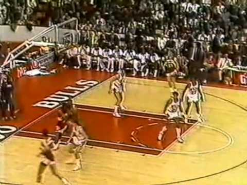Michael Jordan Greatest Games: 34 Points (Amazing Defense) vs Hawks (1987)