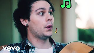 Клип 5 Seconds Of Summer - She's Kinda Hot