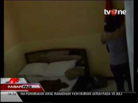 Pasangan Mesum di sebuah kamar hotel kelas melati