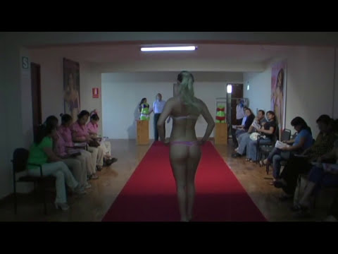 DESFILE DE LENCERIA COLECCIÓN 2010 - MODELO LESLIE SHAW
