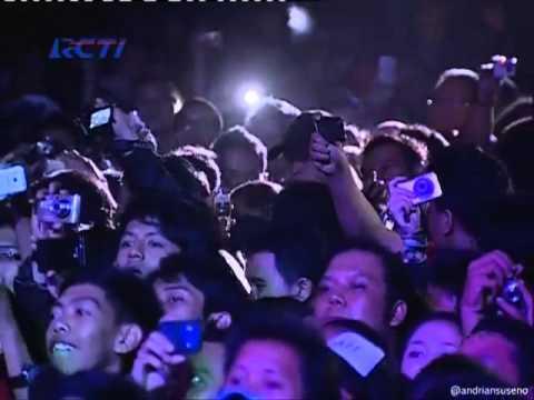 download lagu Noah Feat Saung Angklung Udjo - Langit Tak Mendengar Konser Noah Seperti Seharusnya @RCTI gratis