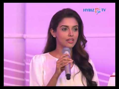 Asin Thottumkal - Actress video