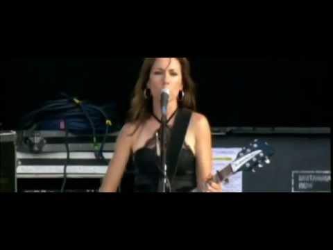 The Bangles - Walk Like Egyptian mrs. Robinson (live)  Hard Rock Calling, Hyde Park video
