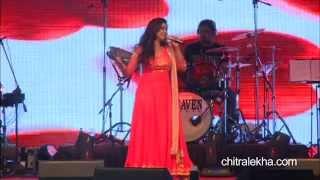 Shreya Ghoshal performs live for Chitralekha at Rajkot on October 19, 2014 - Part 1