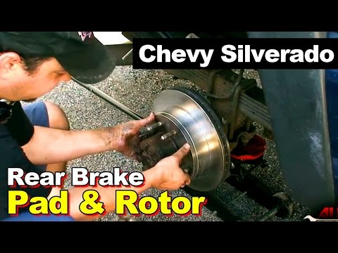2002 Chevrolet 2500 HD Silverado Rear Brakes and Rotors