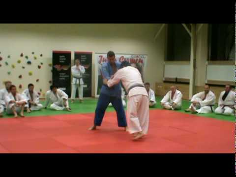 Judo - Uchi-mata (one step entry) demonstrated by Kosei Inoue (JPN) Image 1
