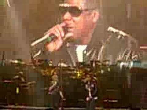 """Jay-Z & Mary J Blige perform """"You're Welcome"""""""