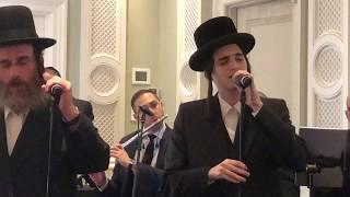 נפשי מוטי שטיינמץ ואייזיק האניג בביצוע לייב.nafshi motty steinmetz & Issac Honig in a live duet