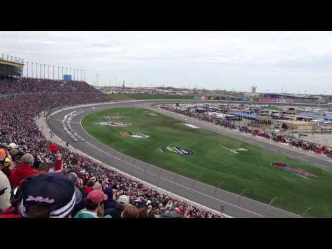 start of the stp 400 at kansas speedway 2013