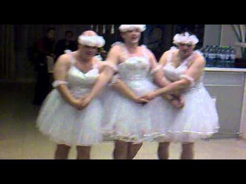 Танец маленьких лебедей на свадьбе