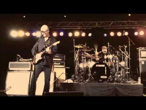 KIM MITCHELL - Patio Lanterns - Live 2011