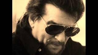 Watch Waylon Jennings Looking For Suzanne video