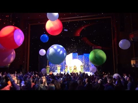 Slava's Snowshow Finale - Balls in Audience With Blue Canary Reprise  at Dr. Phillips Center