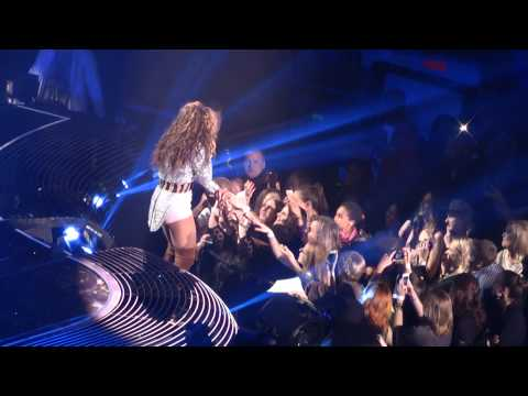 "24.05.2013 - Beyoncé: ""I will always love you"", 1'35 ""Halo"""
