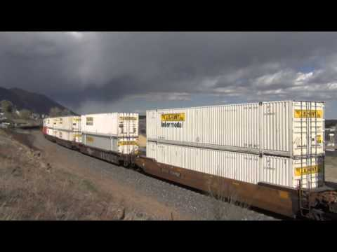 BNSF Intermodal Departing Flagstaff, AZ