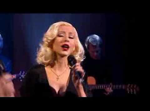 Somos Novios feat. Christina Aguilera