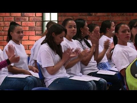 Ex-guerrillas graduate in peace course at Colombian prison