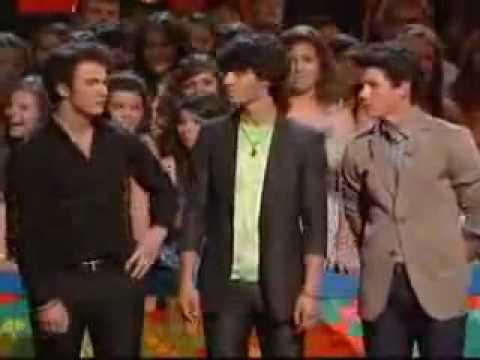 Kevin Jonas Dare: he gets a tattoo @ Teen Choice Awards 2009