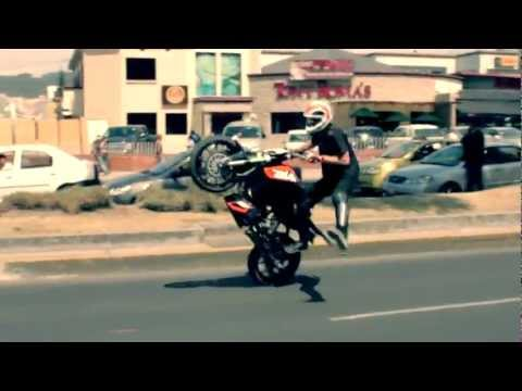 Rok Bagoros - Rock on the City - Quito (Ecuador) 2012 KTM Duke 200 stunt